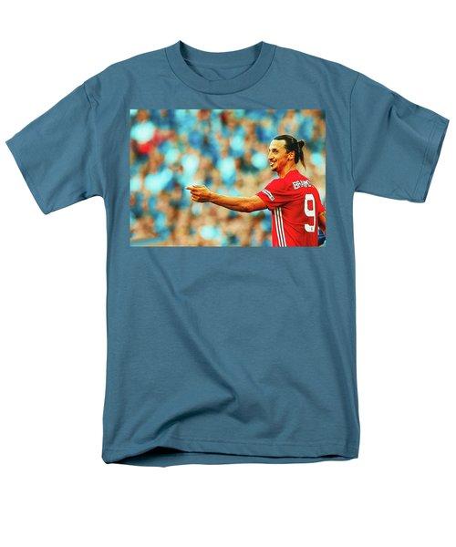 Manchester United's Zlatan Ibrahimovic Celebrates Men's T-Shirt  (Regular Fit) by Don Kuing