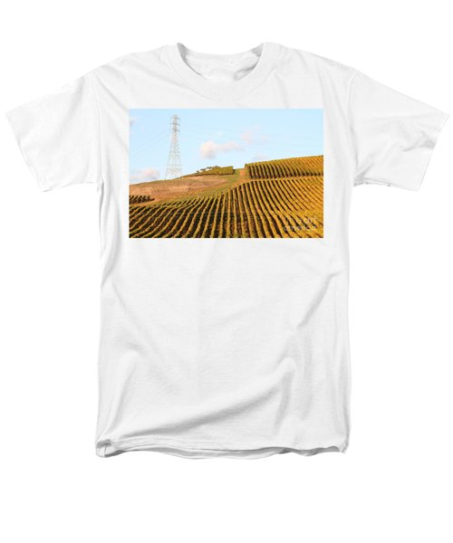 Napa Valley Vineyard . 7D9066 T-Shirt by Wingsdomain Art and Photography