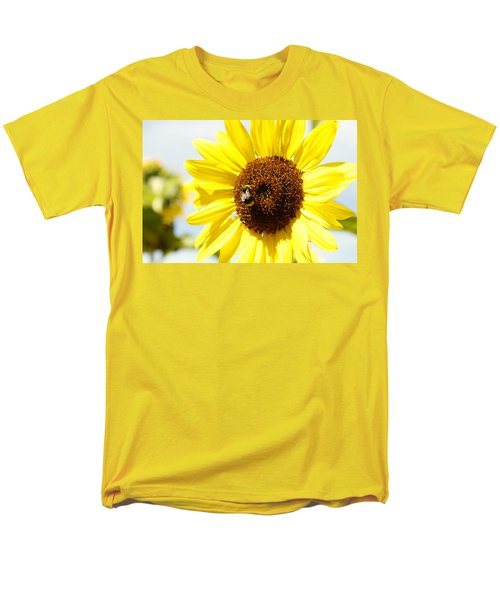 Bee T-Shirt by Les Cunliffe