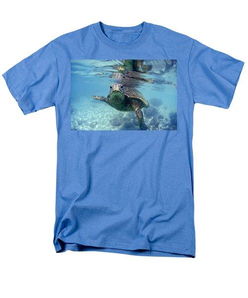 friendly Hawaiian sea turtle  T-Shirt by Sean Davey
