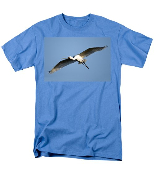 Low Angle View Of A Eurasian Spoonbill Men's T-Shirt  (Regular Fit) by Panoramic Images