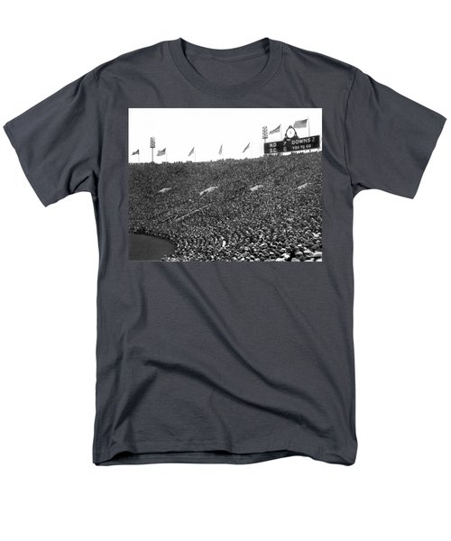 Notre Dame-usc Scoreboard Men's T-Shirt  (Regular Fit) by Underwood Archives