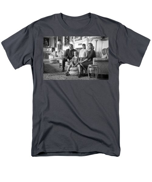 Princess Grace Of Monaco And Family In Ireland Men's T-Shirt  (Regular Fit) by Irish Photo Archive