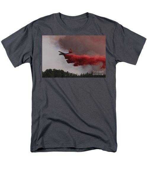 Men's T-Shirt  (Regular Fit) featuring the photograph Tanker 07 Drops On The Myrtle Fire by Bill Gabbert