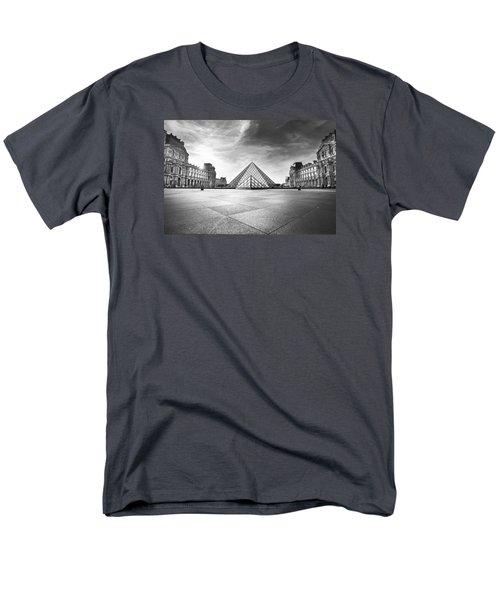 Louvre Bw Men's T-Shirt  (Regular Fit) by Ivan Vukelic