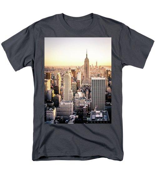 Manhattan Men's T-Shirt  (Regular Fit) by Michael Weber