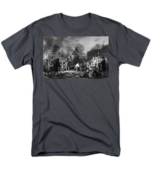 Pulling down the statue of George III T-Shirt by War Is Hell Store