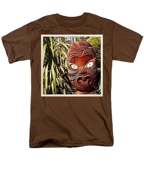 Maori carving T-Shirt by Les Cunliffe