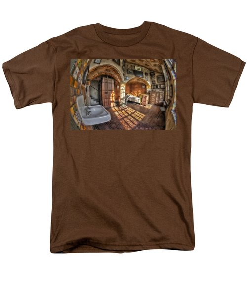 Master Bedroom At Fonthill Castle T-Shirt by Susan Candelario