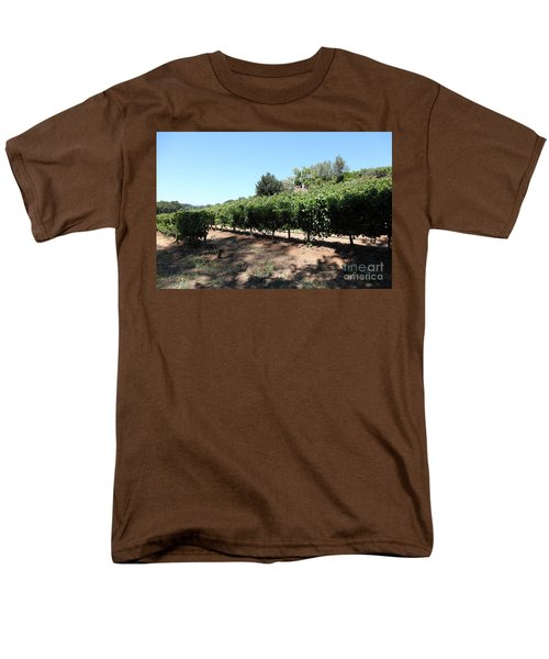 Sonoma Vineyards In The Sonoma California Wine Country 5D24499 T-Shirt by Wingsdomain Art and Photography