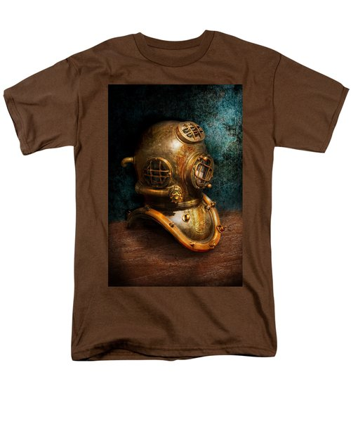 Steampunk - Diving - The diving helmet T-Shirt by Mike Savad