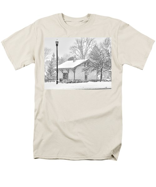 Whitehouse Train Station Men's T-Shirt  (Regular Fit) by Jack Schultz