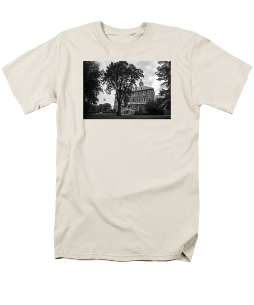 Old Main Penn State Men's T-Shirt  (Regular Fit) by John McGraw