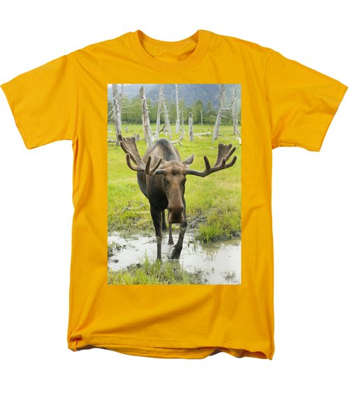 An Elk Standing In A Puddle Of Water T-Shirt by Doug Lindstrand