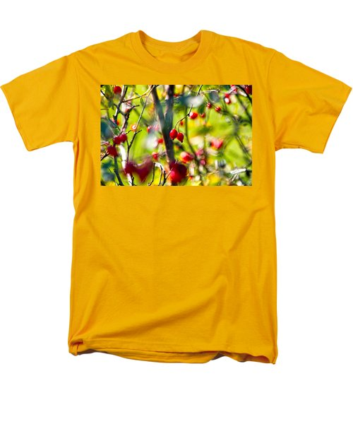autumn berries  T-Shirt by Stylianos Kleanthous
