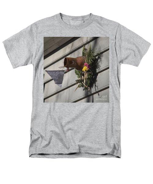 Williamsburg Bird Bottle 1 T-Shirt by Teresa Mucha