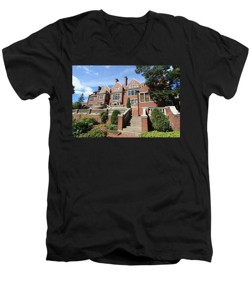 Glensheen Mansion Exterior Men's V-Neck T-Shirt by Amanda Stadther