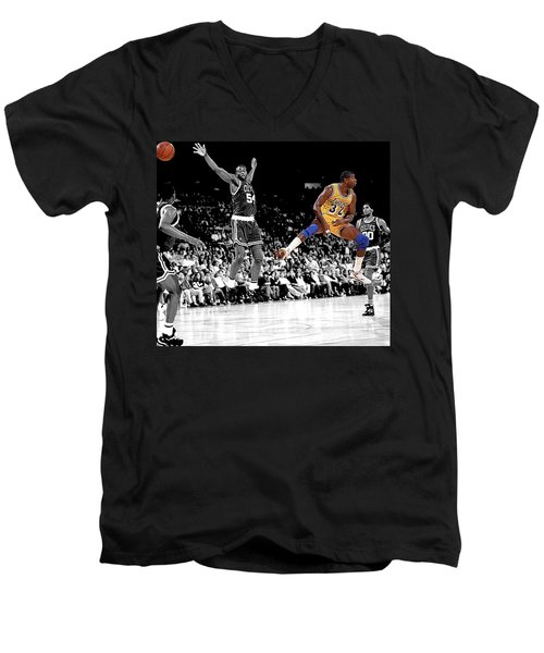 No Look Pass Men's V-Neck T-Shirt by Brian Reaves