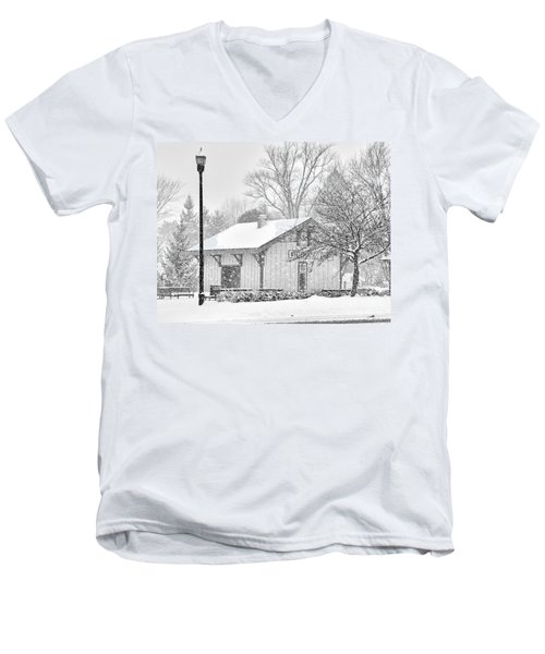 Whitehouse Train Station Men's V-Neck T-Shirt by Jack Schultz