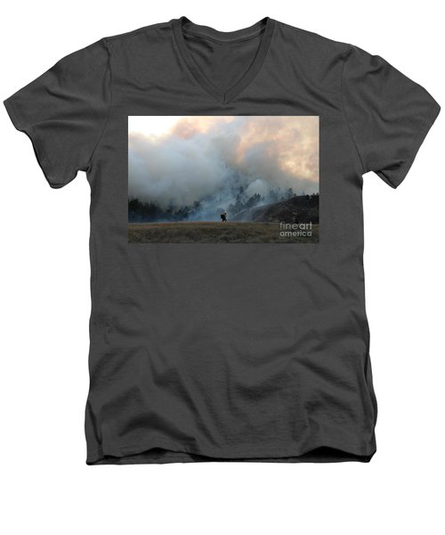 Men's V-Neck T-Shirt featuring the photograph A Solitary Firefighter On The White Draw Fire by Bill Gabbert