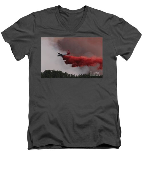 Men's V-Neck T-Shirt featuring the photograph Tanker 07 Drops On The Myrtle Fire by Bill Gabbert