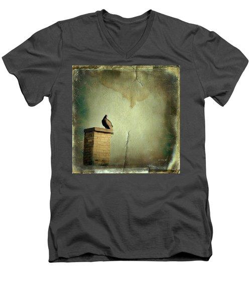 Turkey Vulture Men's V-Neck T-Shirt by Gothicolors Donna