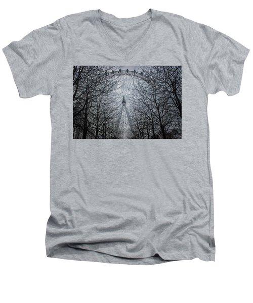 London Eye Men's V-Neck T-Shirt by Martin Newman
