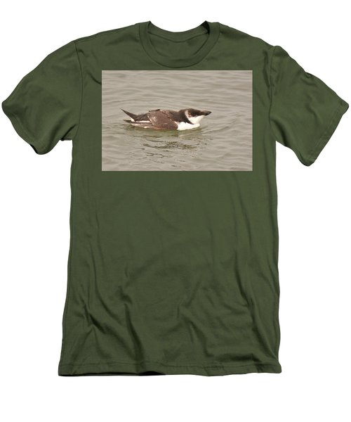 Razorbill Men's T-Shirt (Slim Fit) by Alan Lenk
