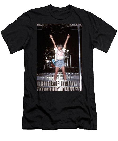 Def Leppard Men's T-Shirt (Slim Fit) by Concert Photos