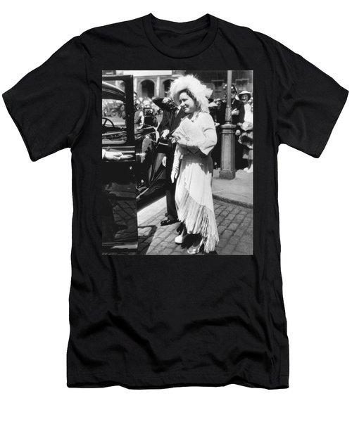 Queen Elizabeth Fashion Men's T-Shirt (Slim Fit) by Underwood Archives