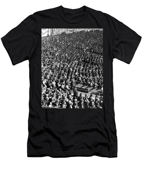 Baseball Fans At Yankee Stadium In New York   Men's T-Shirt (Slim Fit) by Underwood Archives