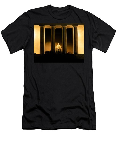 Lincoln Memorial Illuminated At Night Men's T-Shirt (Slim Fit) by Panoramic Images