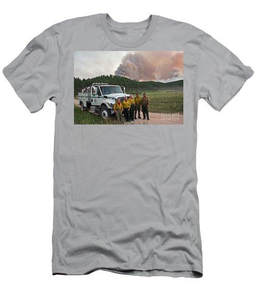 Men's T-Shirt (Slim Fit) featuring the photograph Umpqua Engine 25 On Myrtle Fire by Bill Gabbert