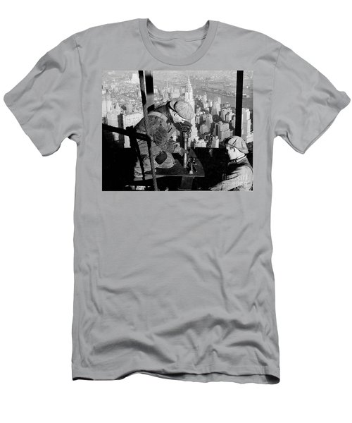 Riveters On The Empire State Building Men's T-Shirt (Slim Fit) by LW Hine