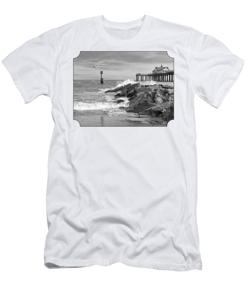 Tide's Turning - Black And White - Southwold Pier Men's T-Shirt (Slim Fit) by Gill Billington