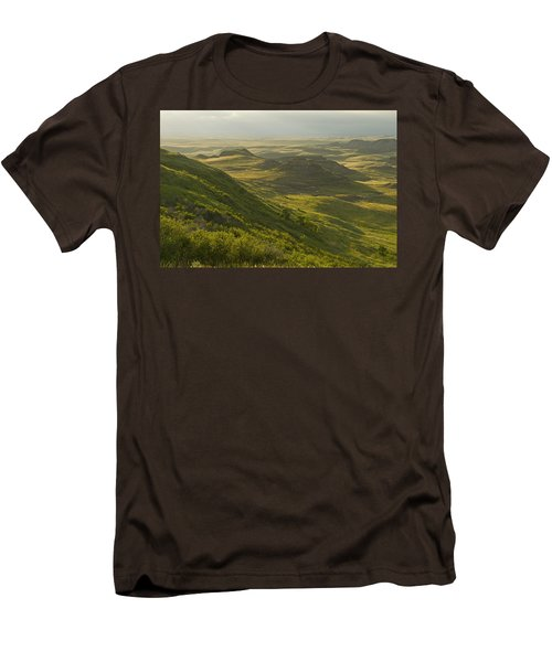 Killdeer Badlands In East Block Of Men's T-Shirt (Slim Fit) by Dave Reede