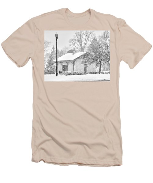 Whitehouse Train Station Men's T-Shirt (Slim Fit) by Jack Schultz