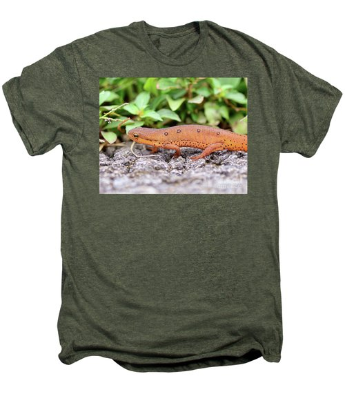 Red Eft - Close Up Men's Premium T-Shirt by Kerri Farley