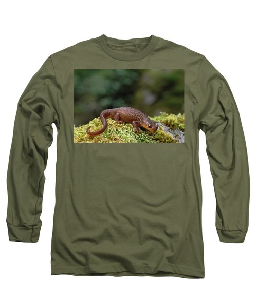 Rough-skinned Newt Oregon Long Sleeve T-Shirt by Gerry Ellis