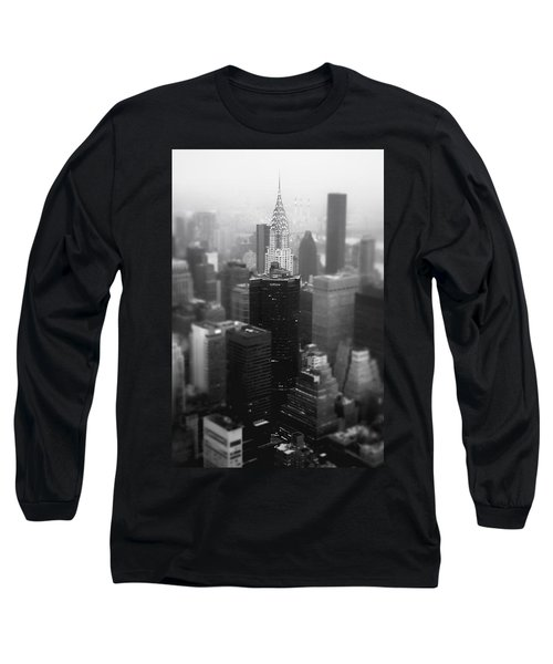 New York City - Fog And The Chrysler Building Long Sleeve T-Shirt by Vivienne Gucwa