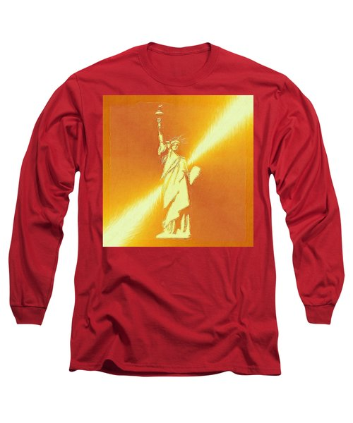 Sunstrike On Statue Of Liberty Long Sleeve T-Shirt by Clive Littin