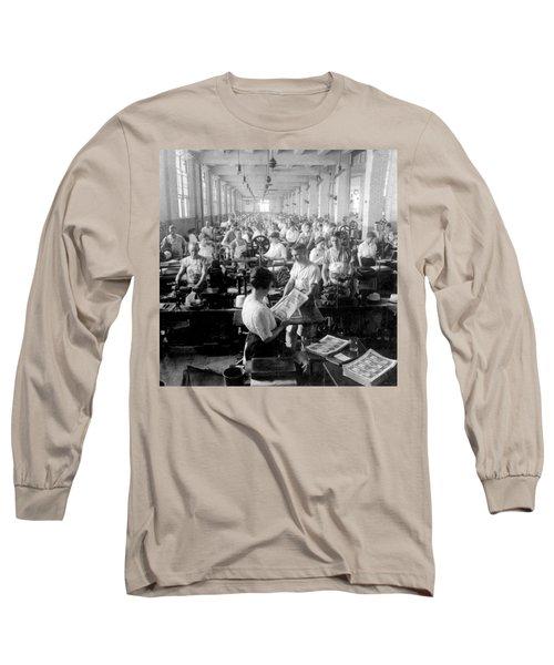 Making Money At The Bureau Of Printing And Engraving - Washington Dc - C 1916 Long Sleeve T-Shirt by International  Images