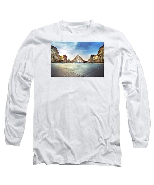 Louvre Museum Long Sleeve T-Shirt by Ivan Vukelic
