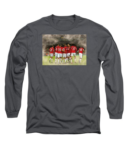 Manchester United  In Action  Long Sleeve T-Shirt by Don Kuing