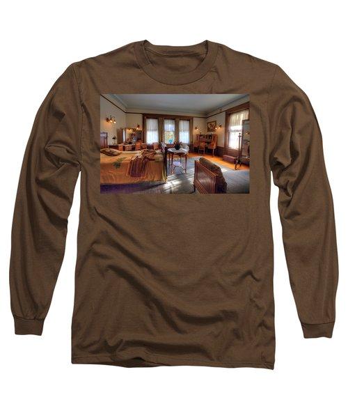 Bedroom Glensheen Mansion Duluth Long Sleeve T-Shirt by Amanda Stadther