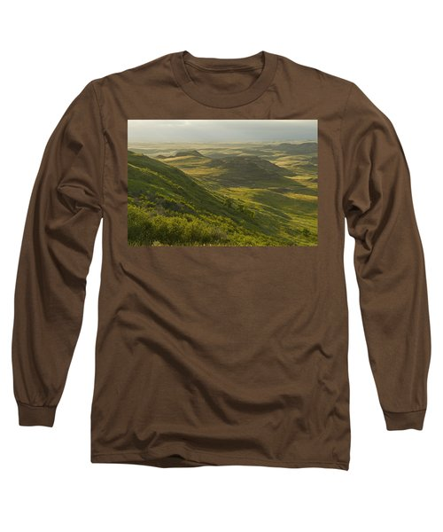 Killdeer Badlands In East Block Of Long Sleeve T-Shirt by Dave Reede