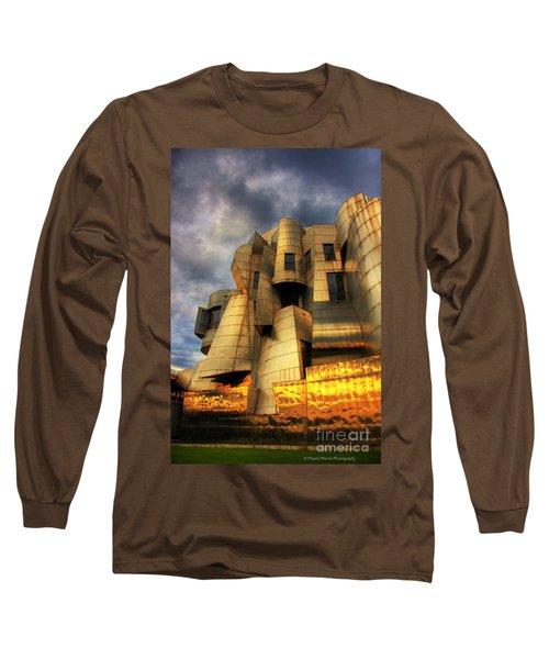Minneapolis Skyline Photography Weisman Museum Long Sleeve T-Shirt by Wayne Moran