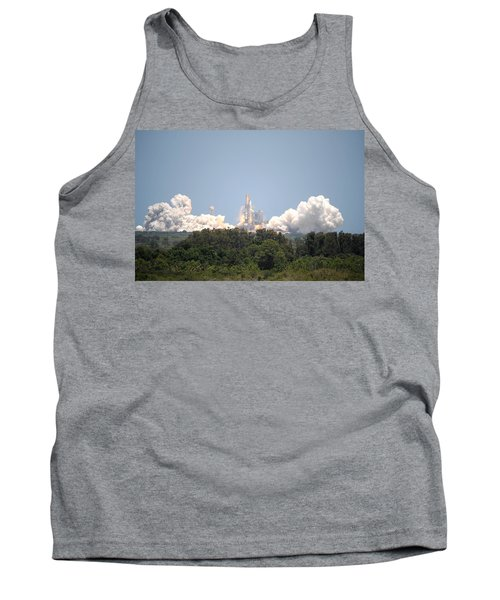 Tank Top featuring the photograph Sts-132, Space Shuttle Atlantis Launch by Science Source