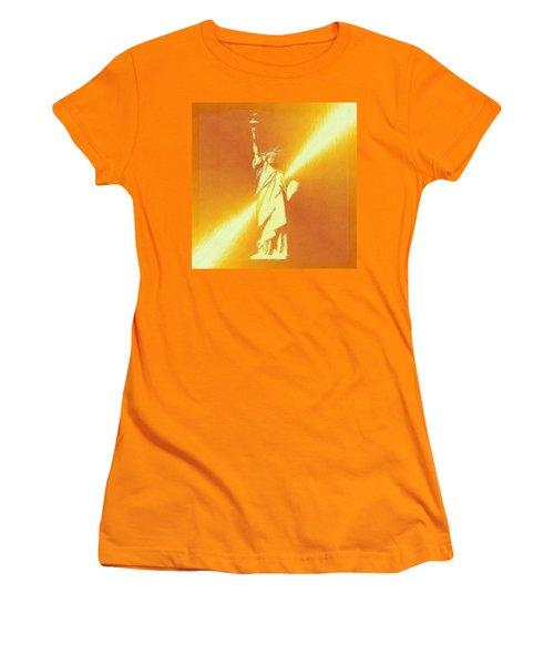 Sunstrike On Statue Of Liberty Women's T-Shirt (Junior Cut) by Clive Littin
