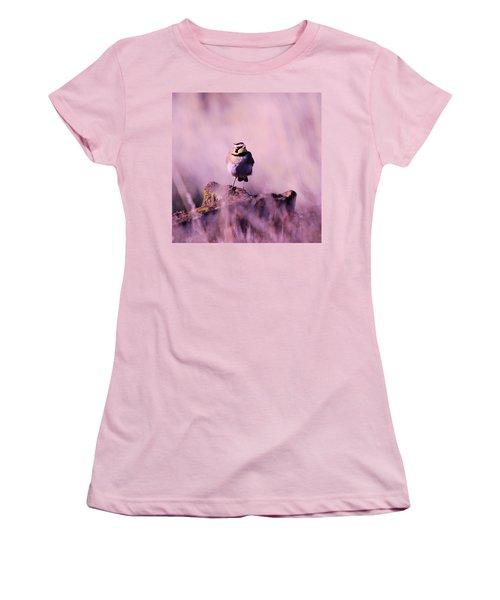 An Searching Gaze  Women's T-Shirt (Junior Cut) by Jeff Swan